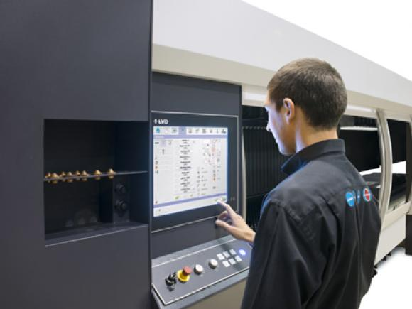LVD introduces new 19″ Touch Screen user interface for SIRIUS laser cutting systems