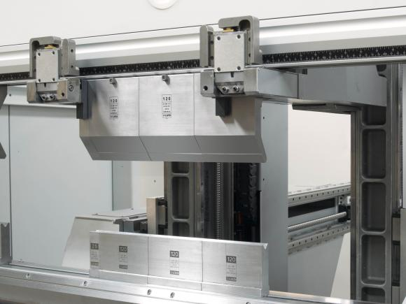 LVD OFFERS NEW MODEL OF ITS AUTOMATIC TOOL CHANGING PRESS BRAKE, THE TOOLCELL