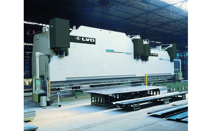LVD PPEB-H press brakes in tandem